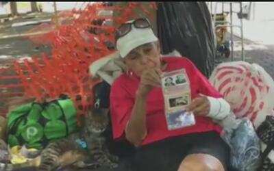 Una mujer que vive en un parque de Fort Lauderdale asegura ser hija del...