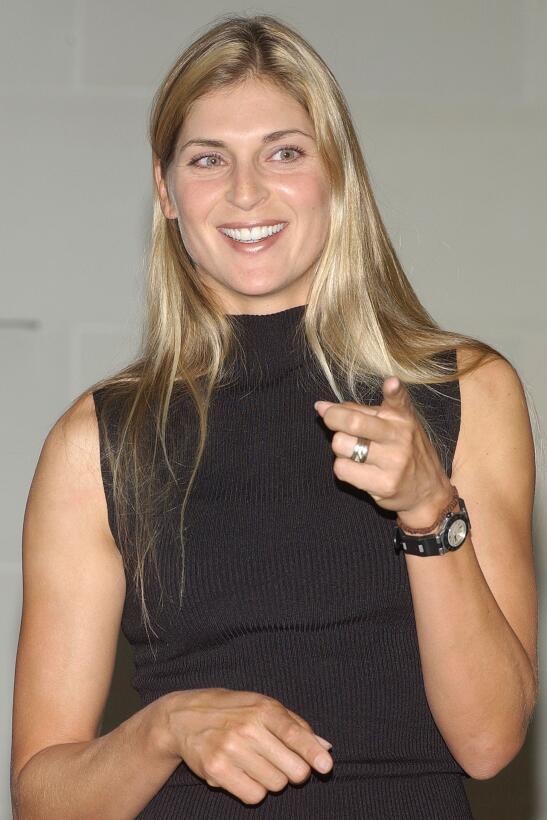 Gabrielle Reece y una belleza que abrió camino del deporte al modelaje y...