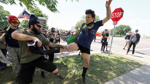 Manifestantes anti-sharia (la ley que hace una interpretación ext...