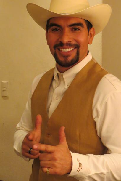 Enrique Tello en camerinos, listo para el estreno.