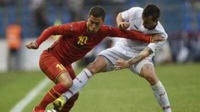 Hazard puso la creatividad en el triunfo sobre Luxemburgo, pero Lukaku a...