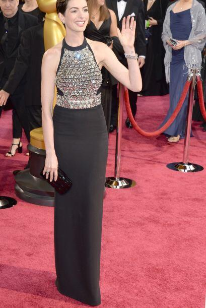 El vestido de Gucci de Anne Hathaway fue una buena elección para que la...