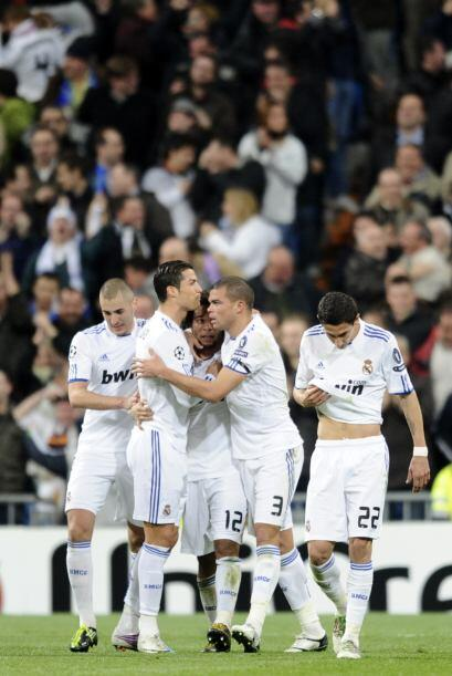 Pese a la alegría, este gol aún no calmaba al equipo español.
