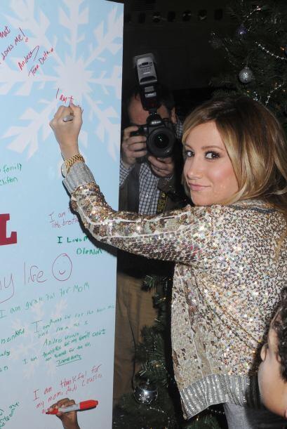 Otros niños también escribieron sus deseos en el muro de S...