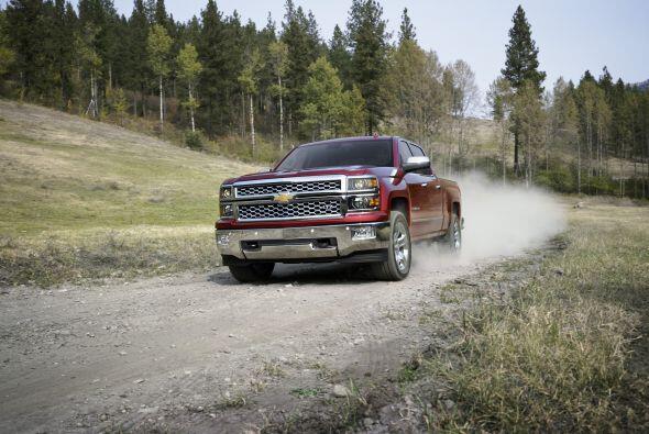 2- Chevrolet Silverado: Unidades vendidas: 45,978; Precio: $26,105 a $5...