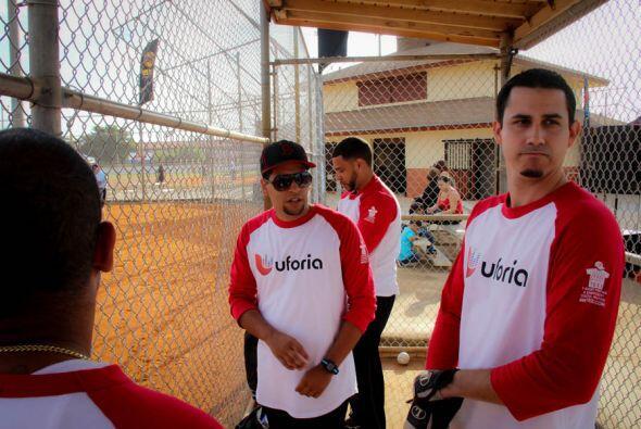 """El pasado Sabado, 15 de Marzo, el equipo de Mix 98.3 y 107.5, los """"Ufori..."""