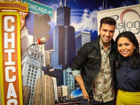 En su visita por Chicago el cantante JeanCarlos Canela compartió...