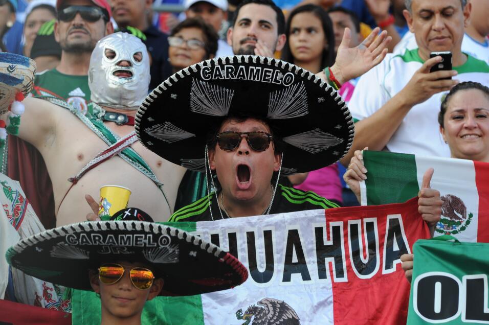 El ambiente en el Estadio Olímpico de San Pedro Sula es inmejorable en a...