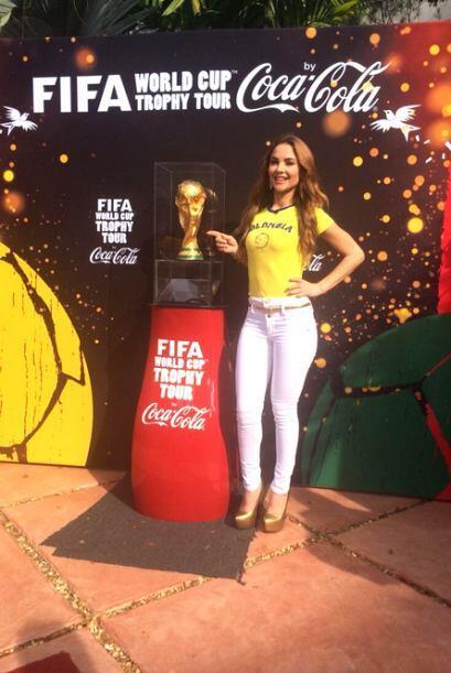 Junto a la copa del mundo demostró que es una amante del fútbol.