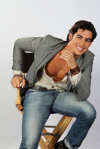 Alex Rosales es cubano y vive en Miami. Fue el primero elegido para ser...