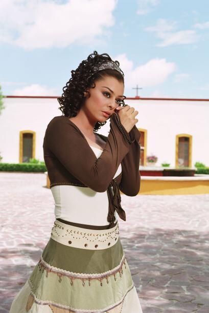 Yadhira Carrillo es una de las actrices que lleva ya algunos años fuera...