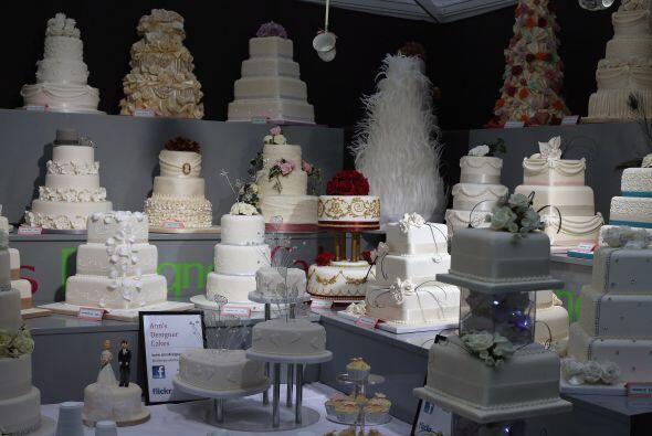Existe una gran variedad de diseños y sabores de pasteles para ese día t...
