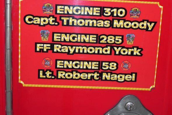 Carro bombero recuerda a sus caídos el 9/11 2e3800f1adc748c1abe99b6efb0a...