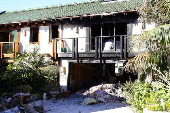 Todas las cosas de Pierce Brosnan y su familia se quemaron.