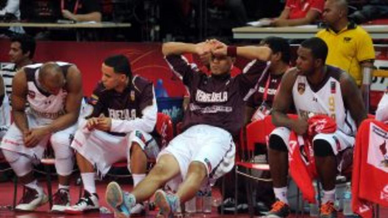 Los 12 magníficos derrotaron al equipo de Venezuela en tiempo extra 86-8...