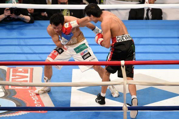 Poco a poco Pedro Guevara fue haciéndose con el control de la pelea