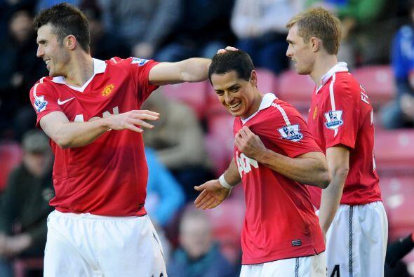 El ariete azteca marcó los primeros dos goles del United y demostró que...