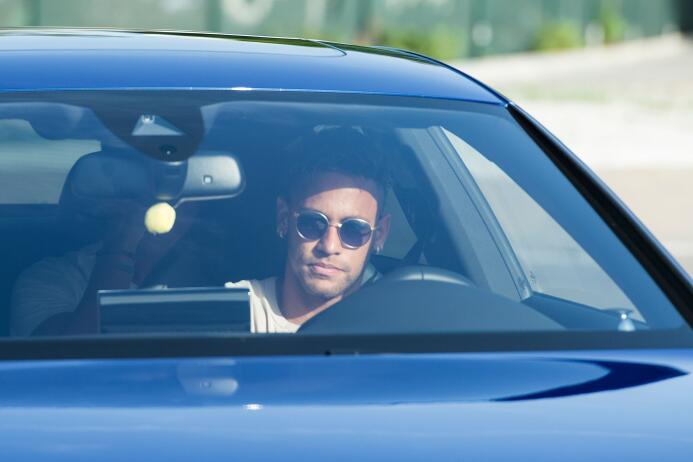 Los últimos momentos de Neymar como jugador de Barcelona GettyImages-825...