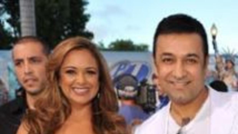 Jessica y Carlos, los presentadores de Tu Desayuno Alegre.