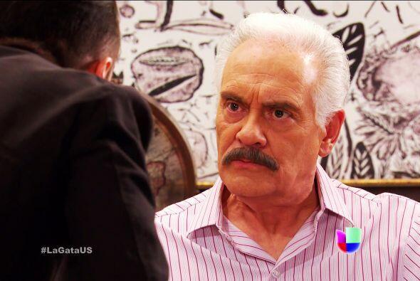Si doña Lorenza es mala, usted es peor don Agustín. Quiere dejar a todas...