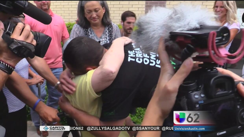 Liberan bajo fianza a Greg Kelley, acusado de abusar de un menor de cuat...
