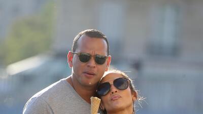 Hace un año se escapaban a París y ahora... así vacacionan Jennifer López y Alex Rodríguez