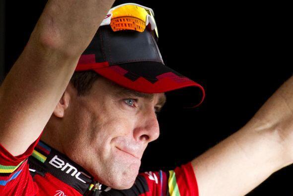 Al subir al podio, Evans se emocionó casi hasta las lágrimas antes de ar...