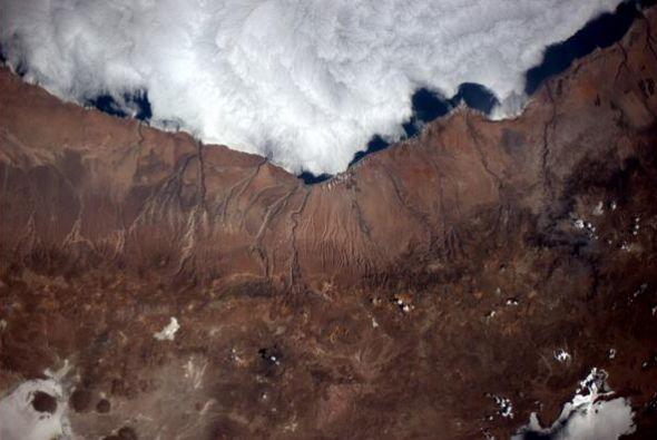 Sobrevolando sobre mi campo volcánico favorito. Fotos de Reid Wis...