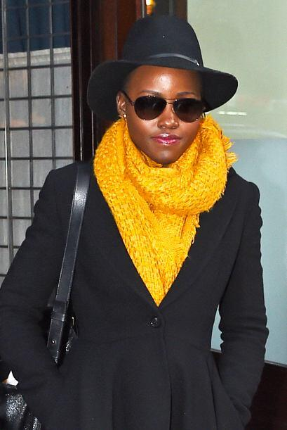 Lupita Nyong'o quería pasar desapercibida, ¡pero la atrapamos! Mira aquí...