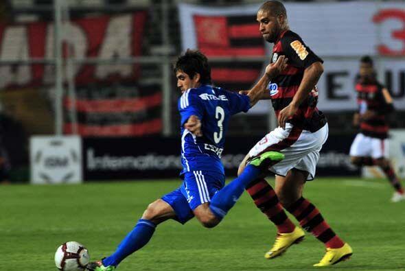Flamengo jugò con Adriano y Vagner Love en la delantera y si bien...