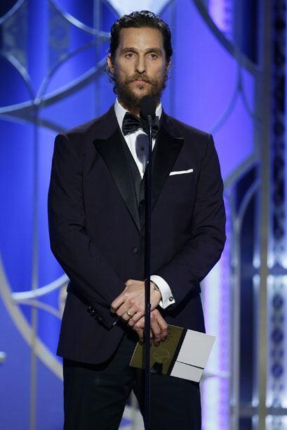 Matthew McConaughey entregó Mejor actriz - drama.