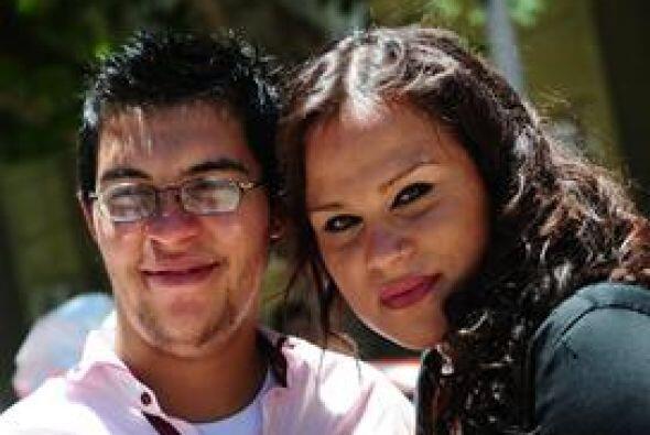 Alexis Taborda, contrajo matrimonio civil con su novia Karen Bruselario,...