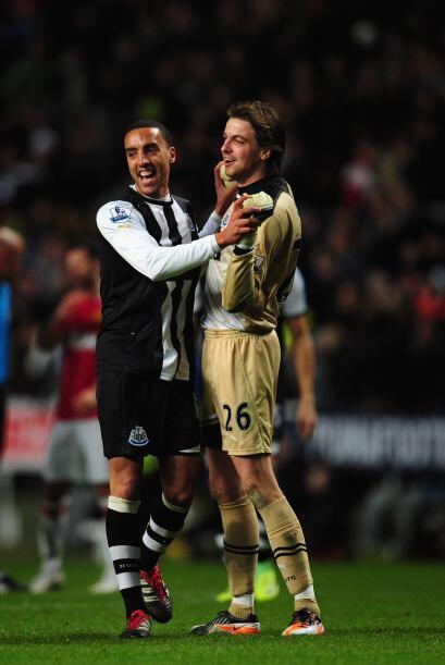 Los futbolistas del Newcastle no podían creer lo que lograron, vencer 3-...