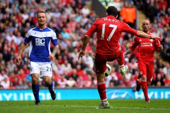 Maxi pagó a la confianza de su técnico con un 'hat-trick', en la victori...