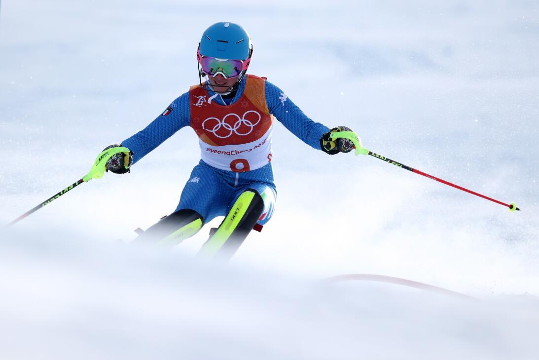 También en el slalom del esquí alpino, la atleta italiana Chiara Costazza.