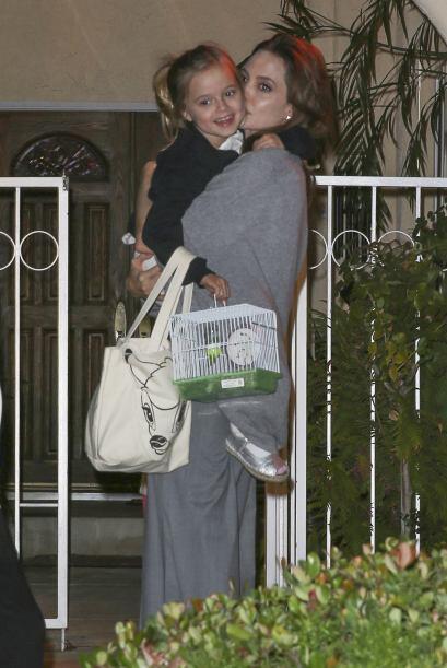 Y más adelante Angelina se reencontró con su pequeña Vivienne.