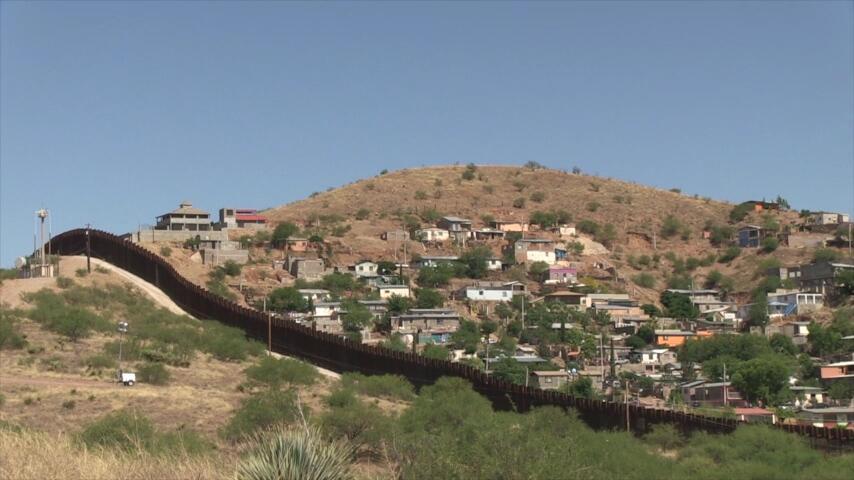 Menos inmigrantes llegan a los albergues en el lado mexicano de la front...