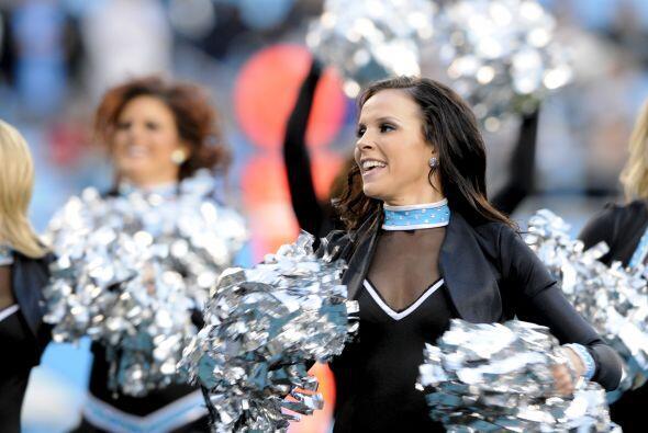 Las porristas de los Carolina Panthers tuvieron su última actividad de l...