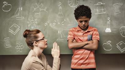 Llevarse bien con la maestra podría tomarles algún tiempo.