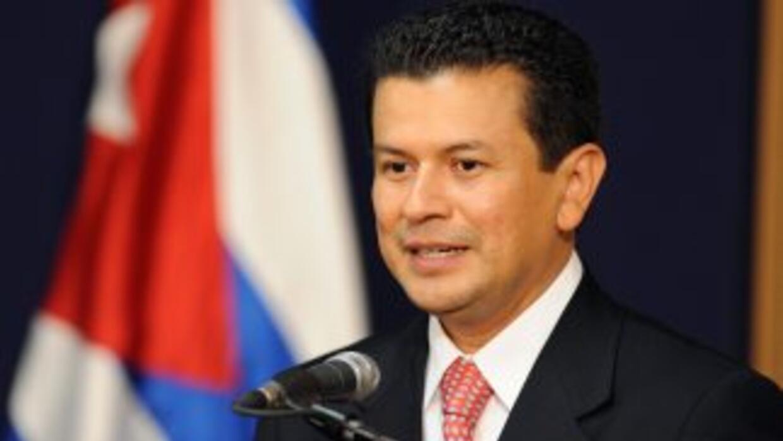 El Canciller de El Salvador, Hugo Martínez, entregó datos sobre el númer...