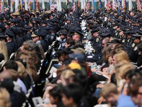 Alrededor de 10 mil personas se congregaron en el Massachusetts Institut...