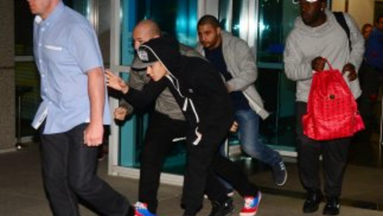 Keyshawn Johnson aún espera que Justin Bieber pague por su supuesta prep...