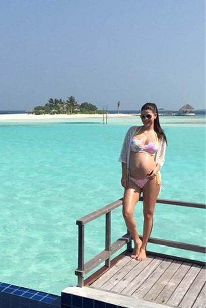 Ya en las Maldivas, nuestra bella conductora se dejó ver disfrutando del...