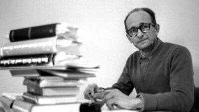 Adolf Eichmann en la prisión israelí de Remle, en 1961, durante el proce...
