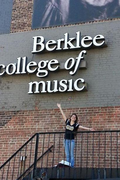 A principios de septiembre entró a la universidad para estudiar música.