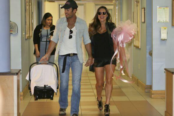 No es pasarela de moda, es Lola Ponce saliendo del hospital!