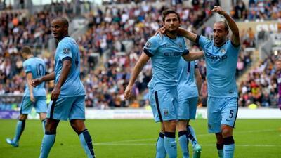 Frank Lampard sigue ganándose con goles a la afición del City.