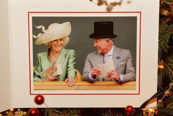 Para empezar, tenemos a la realeza inglesa. La postal navideña del Prínc...