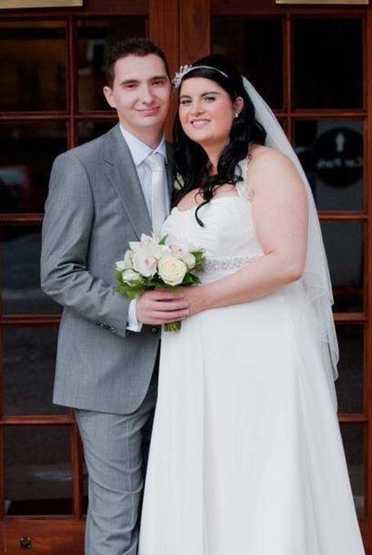 Para ella era un suplicio ver las fotos de su boda, pues su talla le aco...