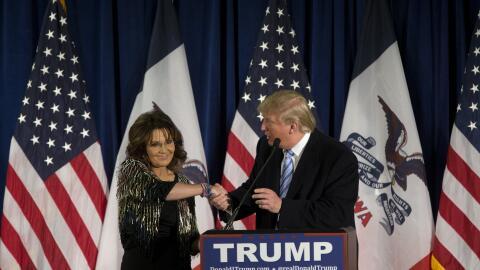 Sarah Palin anuncia su apoyo a Trump en Iowa, en enero de 2016